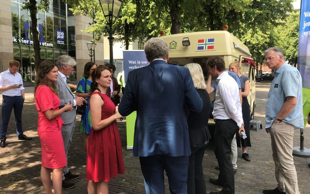Groningse Proatbus naar Den Haag